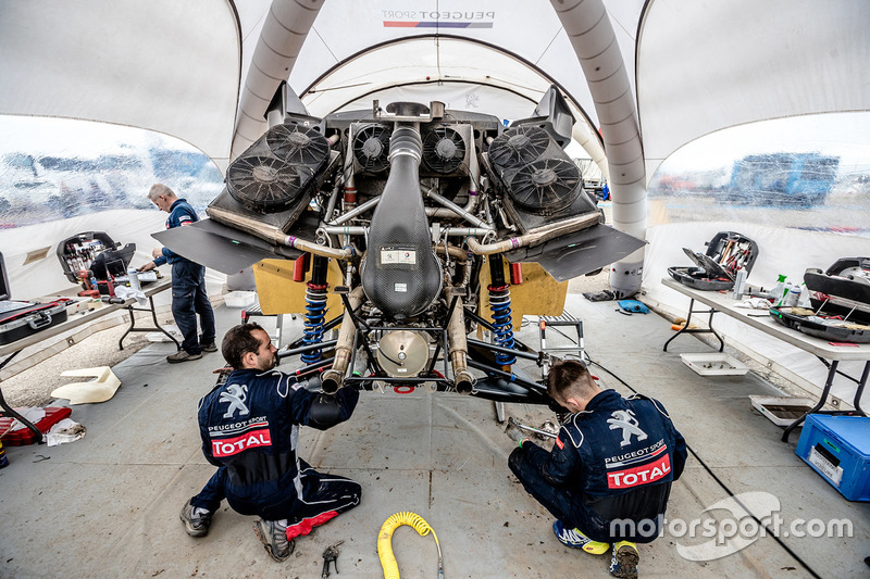 Peugeot Sport mechanics at work