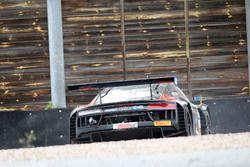 Crash, #4 Aust Motorsport, Audi R8 LMS: Dennis Marschall, Patric Niederhauser