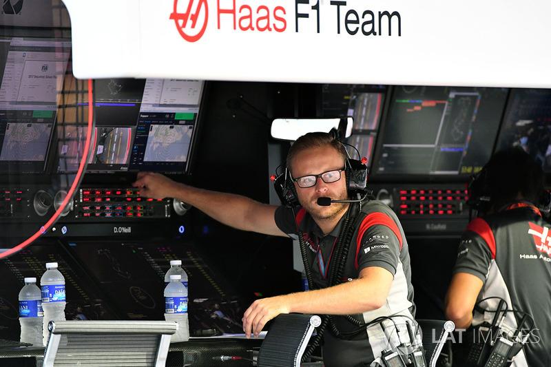 Haas F1 Team pit duvarı