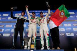 Podium: 1. Norbert MIchelisz, Honda Racing Team JAS, Honda Civic WTCC; 2. Thed Björk, Polestar Cyan