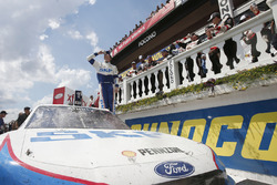 Race winner Brad Keselowski, Team Penske Ford