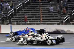 Simon Pagenaud, Team Penske Chevrolet, Will Power, Team Penske Team Penske Chevrolet, Tony Kanaan, Chip Ganassi Racing Honda