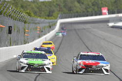 Kyle Busch, Joe Gibbs Racing Toyota, Corey LaJoie, BK Racing Toyota