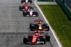 Себастьян Феттель, Ferrari SF70H, Даниэль Риккардо, Red Bull Racing RB13, Серхио Перес, Sahara Force India F1 VJM10
