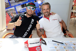 Rob Huff, All-Inkl Motorsport, Citroën C-Elysée WTCC and Tiago Monteiro, Honda Racing Team JAS, Honda Civic WTCC