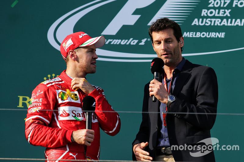 Podio: il vincitore della gara Sebastian Vettel, Ferrari, Mark Webber