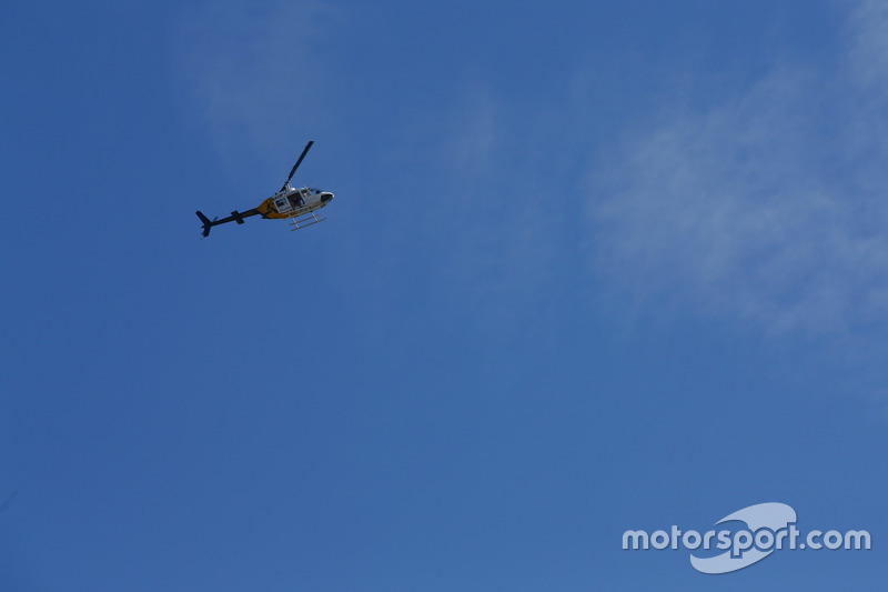 Una cámara Bell 206 Jetranger de Sam Bloxham, fotógrafo de LAT