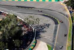 Кевин Магнуссен, Haas F1 VF-17, Стоффель Вандорн, McLaren MCL32, Джолион Палмер, Renault Sport F1 RS