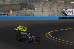 J.R. Hildebrand, Ed Carpenter Racing, Chevrolet; Simon Pagenaud, Team Penske, Chevrolet