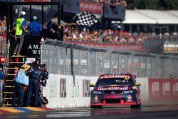 Race winner: Shane van Gisbergen, Triple Eight Race Engineering Holden