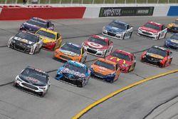 Kevin Harvick, Stewart-Haas Racing Ford Kyle Busch, Joe Gibbs Racing Toyota