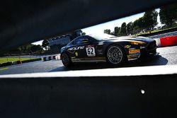 #62 Academy Motorsport Aston Martin Vantage GT4: Will Moore, Matt Nicoll-Jones