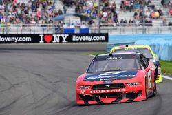Joey Logano, Team Penske Ford, Paul Menard, Richard Childress Racing Chevrolet