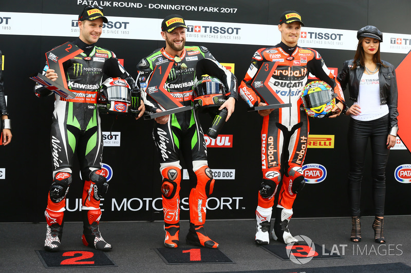 Top 3 Qualifiche: il poleman Tom Sykes, Kawasaki Racing, il secondo classificato Jonathan Rea, Kawasaki Racing, il terzo classificato Chaz Davies, Ducati Team
