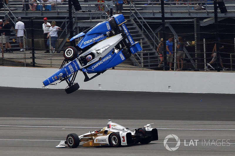 Scott Dixon, Chip Ganassi Racing Honda, Helio Castroneves, Team Penske Chevrolet