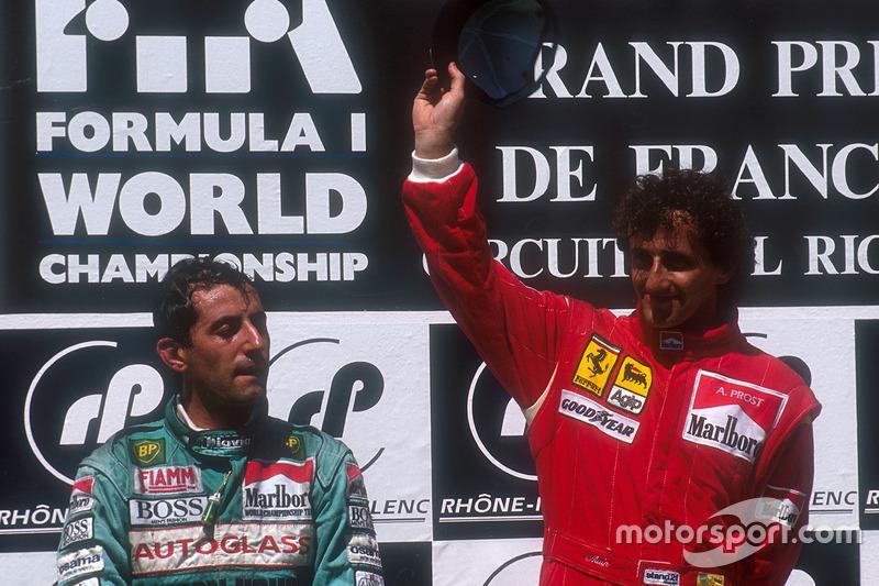 Podium: le vainqueur Alain Prost, Ferrari, le deuxième Ivan Capelli, Leyton House