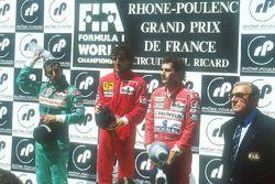 Podium: winnaar Alain Prost, Ferrari, tweede plaats Ivan Capelli, Leyton House Judd, dede plaats Ayr