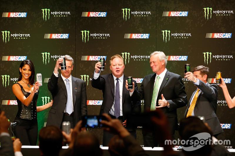 Steve Phelps, Brian France, Mark Hall y Mitch Covington