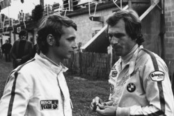 Niki Lauda, March 712M - Cosworth met Dieter Quester, March 712M - BMW