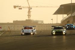 رقم 911 فريق هيربريث موتورسبورت بورشه: ألفريدو ريناوير وبرندون هارتلي ودانيال آلينمان ورالف بون وروب