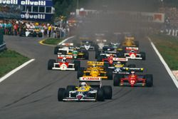 Start: Nigel Mansell, Williams FW11B Honda; Gerhard Berger, Ferrari F187; Ayrton Senna, Lotus 99T Ho