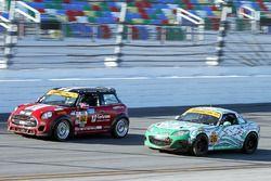 #52 Mini: James Vance, Ramin Abdolvahabi, #26 Freedom Autosport Mazda MX-5: Liam Dwyer, Andrew Carbonell