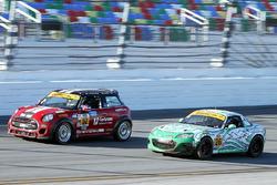 #52 Mini: James Vance, Ramin Abdolvahabi, #26 Freedom Autosport Mazda MX-5: Liam Dwyer, Andrew Carbo