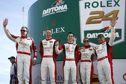 #30 Frikadelli Racing Porsche GT3 R : Klaus Abbelen, Patrick Huisman, Frank Stippler, Sabine Schmitz, Sven Müller