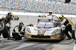 Pitstop for #5 Action Express Racing Corvette DP: Joao Barbosa, Christian Fittipaldi, Filipe Albuque