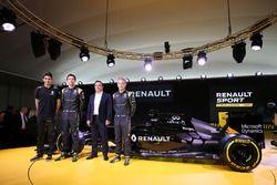 Esteban Ocon, Renault Sport F1 Team testrijder, Jolyon Palmer, Renault F1 Team, Carlos Ghosn, voorzi
