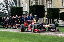 Daniel Ricciardo, Red Bull Racing e i giocatori del Bath rugby