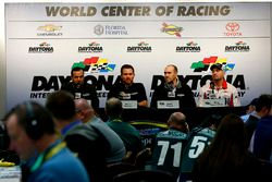 Conferencia de prensa: Greg Zipadelli, Brian Vicker, Brett Frood, Mike Bugarewicz, Stewart-Haas Raci