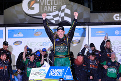 Victory Lane: Johnny Sauter, GMS Racing Chevrolet