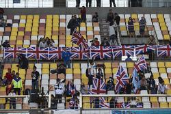 Des fans de Lewis Hamilton, Mercedes AMG F1 Team dans la tribune