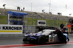 #13 RWT Racing, Corvette Z06.R GT3: Remo Lips, Sven Barth nach dem Unfall