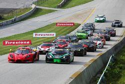 Start: #45 Racers Edge SIN R1 GT4: Jade Buford leads