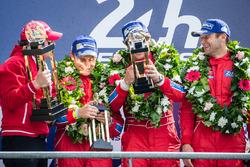 Подіум LMGT Am: переможці - #62 Scuderia Corsa Ferrari 458 Italia: Білл Свідлер, Джефф Сігал, Таунсе