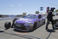 Denny Hamlin, Joe Gibbs Racing Toyota pit action