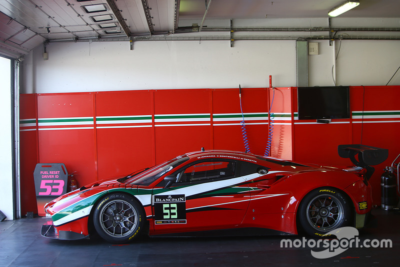 #53 AF Corse Ferrari 488 GT3: Giancarlo Fisichella, Motoaki Ishikawa, Lorenzo Bontempelli