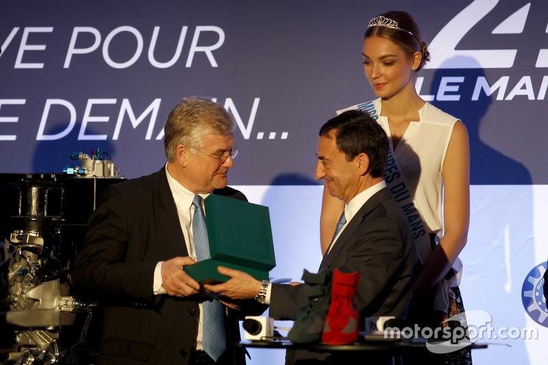 Conferencia de prensa de la ACO: Jacques Nicolet y Pierre Fillon, Presidente de la ACO