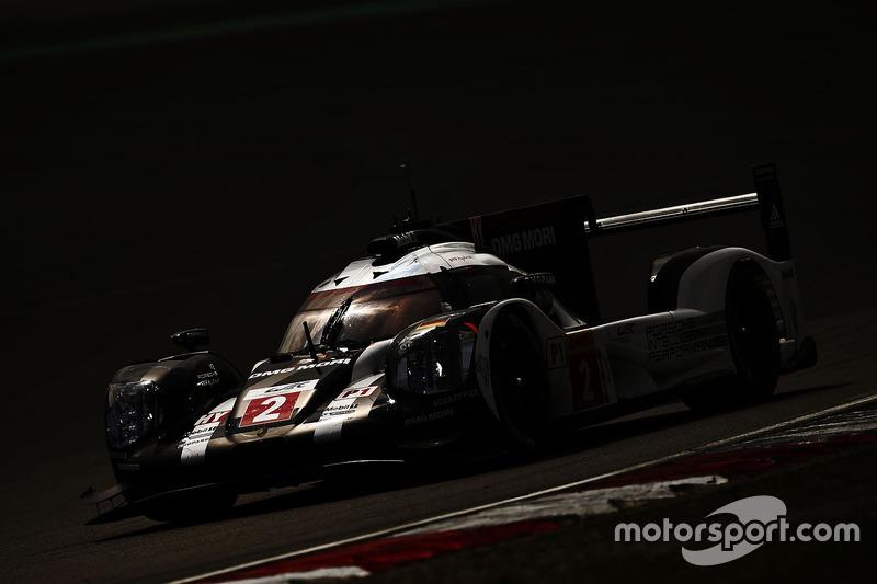 #5: Lichtspiel mit Porsche