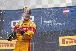 Ganador de la carrera Mitch Evans, Pertamina Campos Racing