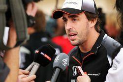 Fernando Alonso, McLaren con i giornalisti