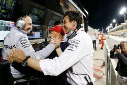 Toto Wolff, directeur exécutif Mercedes GP, Paddy Lowe, directeur exécutif technique Mercedes AMG F1 et Niki Lauda, directeur non-exécutif Mercedes