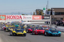 Start: #6 K-Pax Racing McLaren 650S GT3: Austin Cindric leads