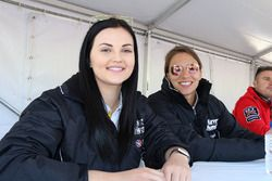 Simona de Silvestro und Renee Gracie, Harvey Norman Supergirls, Nissan
