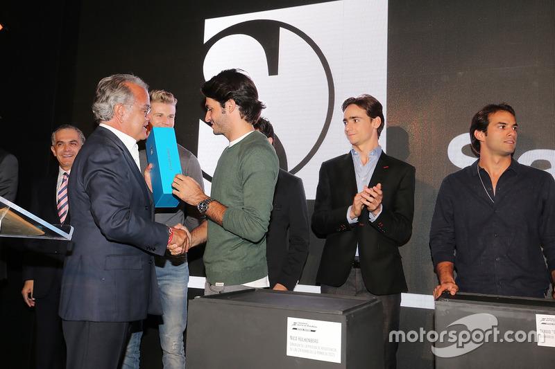 Carlos Sainz Jr., Scuderia Toro Rosso en un evento de Interprotección