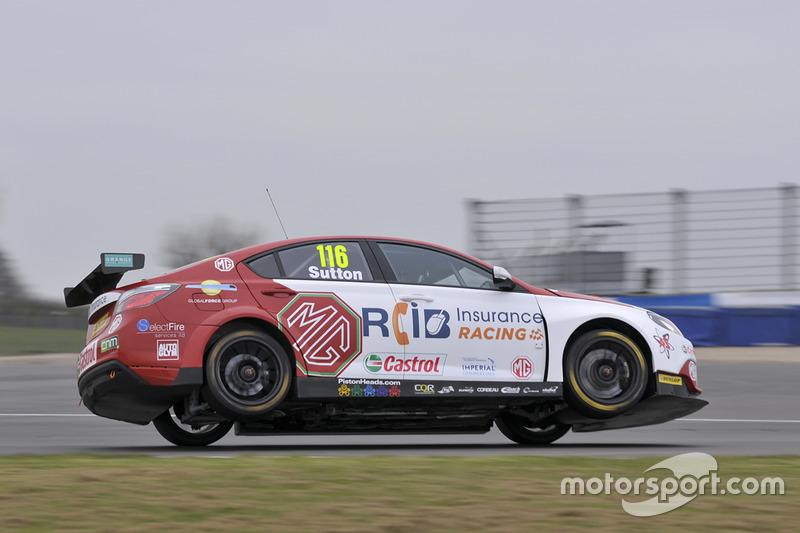 Ешлі Саттон, Triple Eight Racing