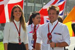Federica Masolin, Sky F1 Italia Moderator mit Luca Filippi, Sky Sports F1 TV Moderator, in der Startaufstellung