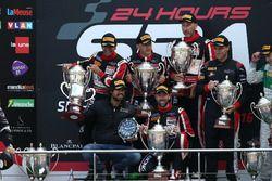 Ganador AM class: #888 Kessel Racing, Ferrari F458 Italia GT3: Marco Zanuttini, Liam Talbot, Vadim G